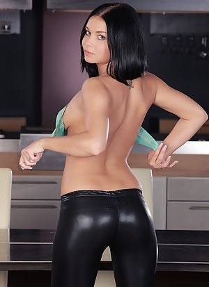 Teen Leather Porn Pictures